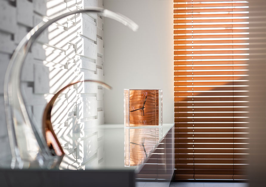 An example of 50 mm wood blinds.